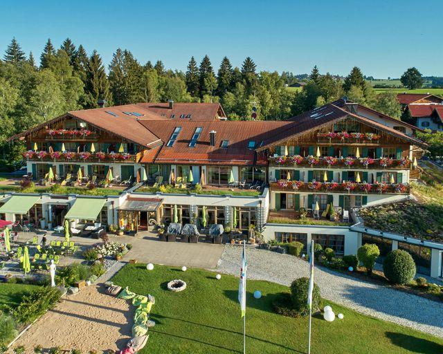 Abb. Ihr Tagungshotel im Naturpark Ammergauer Alpen