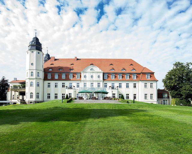 Abb. 12.18. erweitert Kooperation mit Kempinski Hotels