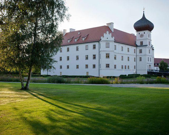 Abb. Schloss Hohenkammer bietet neue Form für hybride Meetings