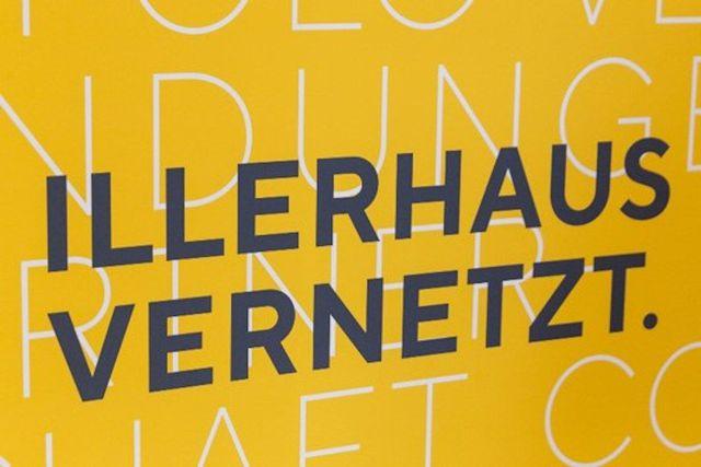 Abb. Messebesuch am Laptop: Deutschlandweit und mit persönlichen Gesprächen!
