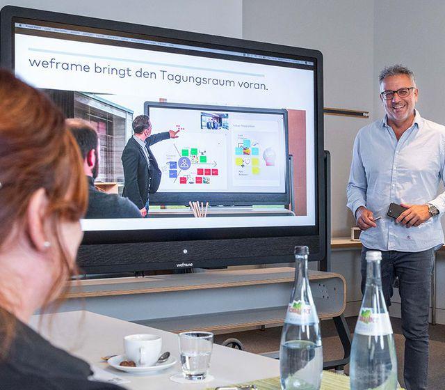 Abb. Digitale und hybride Meetings mit weframe One
