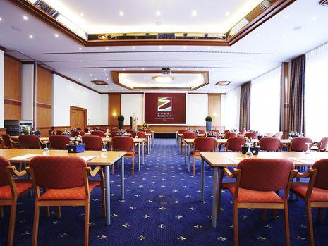Abb. 2 x 100 m² Tagungsräume