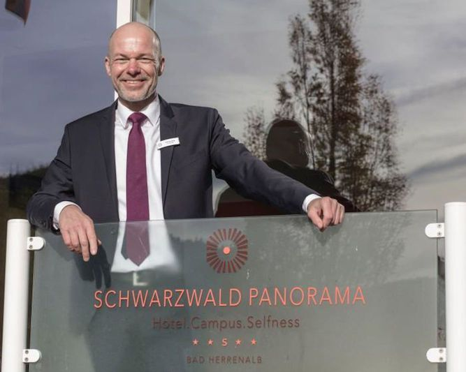 Abb. SCHWARZWALD PANORAMA