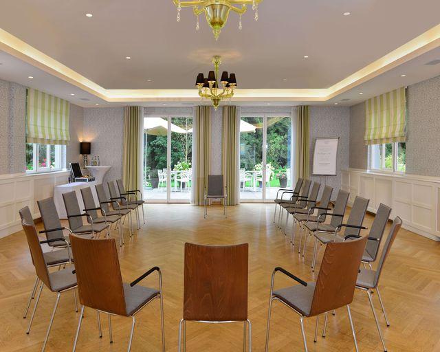 Abb. Nachhaltiges Arbeiten im denkmalgeschützten Lindensaal.