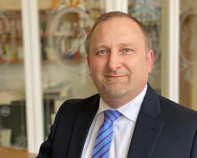 Abb. Neuer Geschäftsführer in Hotel Schloss Rheinfels