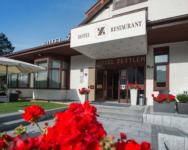 Abb. Tagungshotel mit großzügigem Garten – Hotel Zettler, Bayern