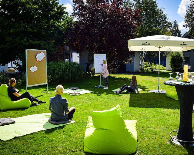Abb. Kombinieren Sie Ihre Indoor- mit einer Outdoor-Tagung