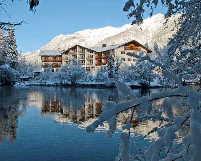 Abb. Hotel am Badersee ist beliebtestes Tagungshotel in Bayern