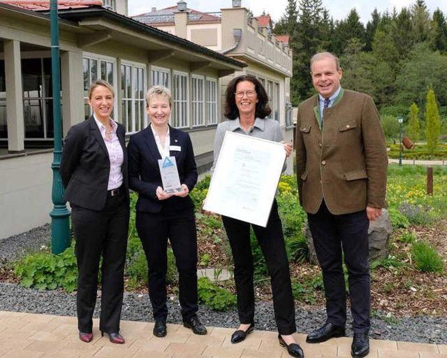Abb. Ritter von Kempski Hotels vom TÜV Rheinland ausgezeichnet
