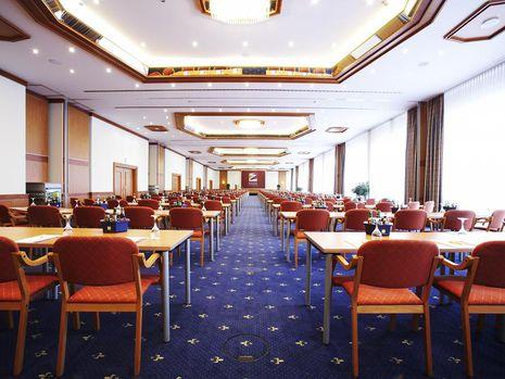 Abb. 5 x 100 m² Tagungsräume